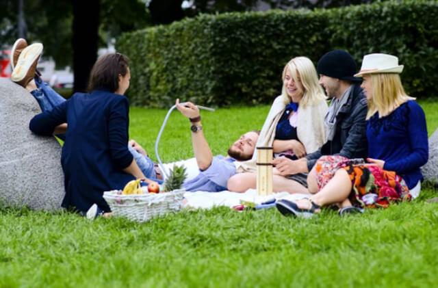Enjoy shisha picnic